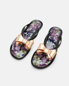 ukWomensFootwearROODAY-Blushing-Bouquet-flip-flops-NavyHS7W_ROODAY_NAVY_2.jpg